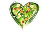 zelenina uspořádány ve tvaru srdce