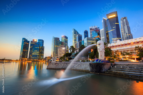 Linia horyzontu Merlion Singapur.