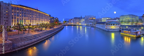 Urban view with famous fountain and Rhone river, Geneva