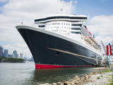 Fototapeta cruising ship