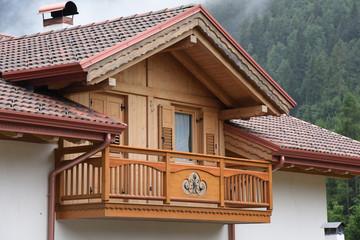 Cerca immagini finestre con tende - Tende foto casa ...