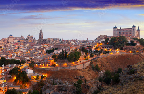 Staande foto Rome iew of Toledo from hill in summer morning