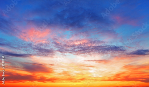 Texture of bright evening sky during sunset - 85511997