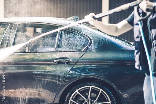 Men Washing His Car - 85695901