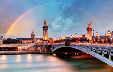 Fototapeta tęcza nad mostem w Paryżu