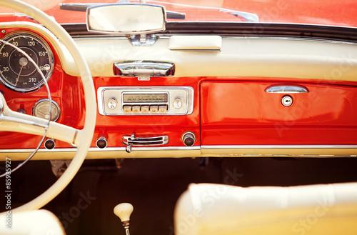 obraz PCV interno auto rocznik
