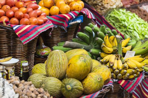 Foto op Plexiglas Indonesië Fresh exotic fruits in Mercado Dos Lavradores. Funchal, Madeira,