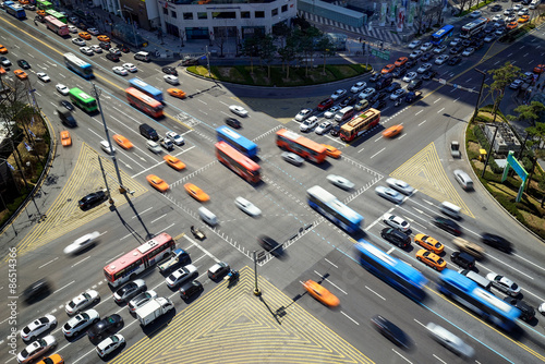 Belebte Straßenkreuzung in Korea Poster