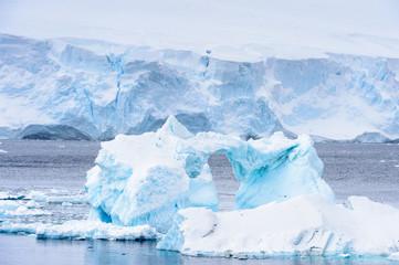 Lodowców na Oceanie Atlantyckim na Antarktydzie