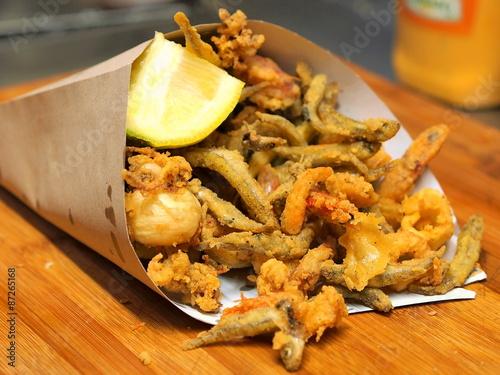 Poster fritto misto di pesce 2