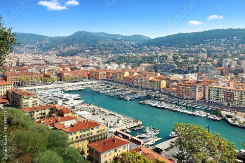 Tuinposter Nice Vue du port de Nice et de l'arrière pays