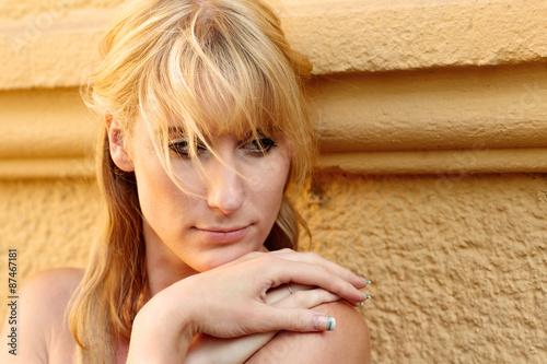canvas print picture Portrait einer huebschen blonden Frau