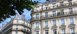 Paris / Façades d'immeubles haussmanniens - 87489568