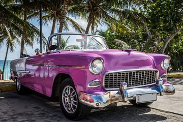 Kuba Varadero Oldtimer zaparkowane w pobliżu plaży