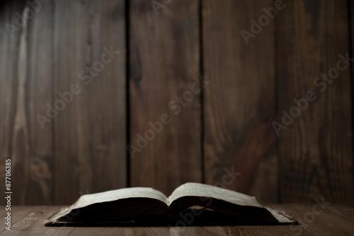 Zdjęcia na płótnie, fototapety, obrazy : Holy Bible on wooden background