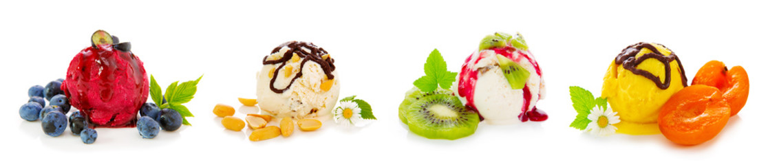 Mixed ice cream with fruits .