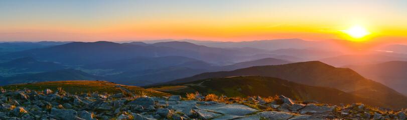 Fototapeta zachód słońca w górach - panorama