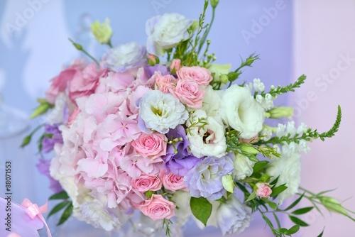 Fototapeta delicate bouquet of roses