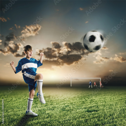 Staande foto Voetbal Young football champion