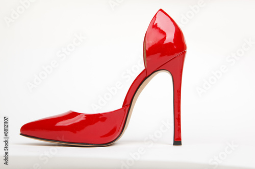 red women shoes © UA_PM