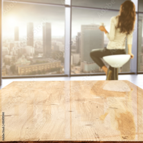 Staande foto Industrial geb. woman in window and table space