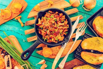 Cooking - fried chanterelles