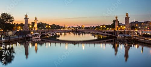 Fotobehang Parijs Pont Alexandre-III de nuit