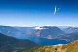 Fototapety volo con aliante sopra il Lago di Como (IT)