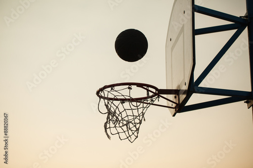 Fotobehang Basketbal basketball over the ring