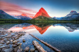 Fototapety Swiftcurrent Lake at Dawn