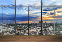 Okna w nowoczesnym biurze