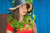 Bitki Kolyeli Kız poster
