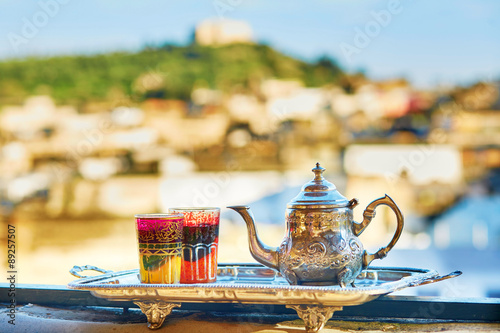 Papiers peints Maroc Moroccan mint tea with sweets