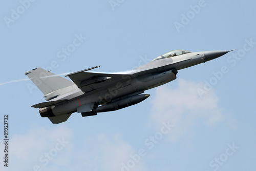 fototapeta na ścianę fighter jet from below
