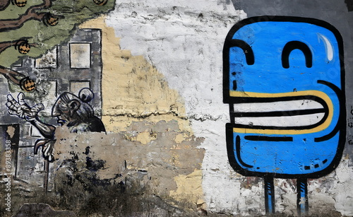 blue picture-graffiti-europe - 89383358