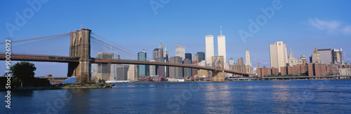 This is the Brooklyn Bridge over the East River with the Manhattan skyline.