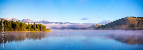 Foto op Canvas Blauw Morning Mist on the Lake