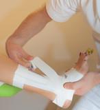 fisioterapia caviglia - tape therapy