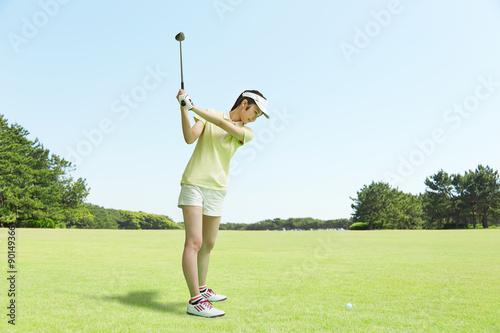 Poster ゴルフをする女性 スイング