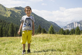 Bambino in montagna