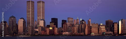 Panoramic view of lower Manhattan and New York City skyline, NY with World Trade Towers at sunset - 90275942