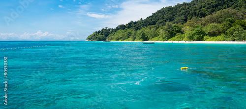 Foto op Canvas Groene koraal sea and Tachai Island, Thailand