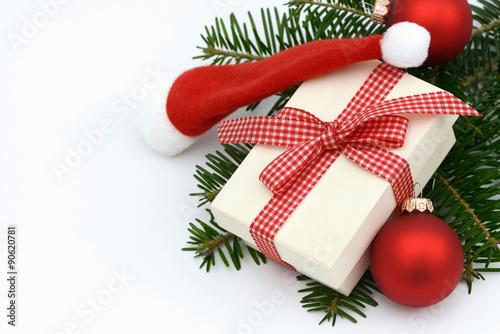 weihnachtsgeschenk weihnachtsm tze und kugeln auf. Black Bedroom Furniture Sets. Home Design Ideas
