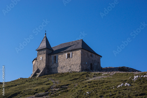 Kirche am Berggipfel