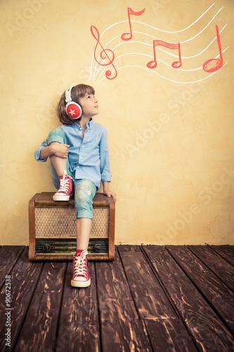 Retro music concept - 90672538