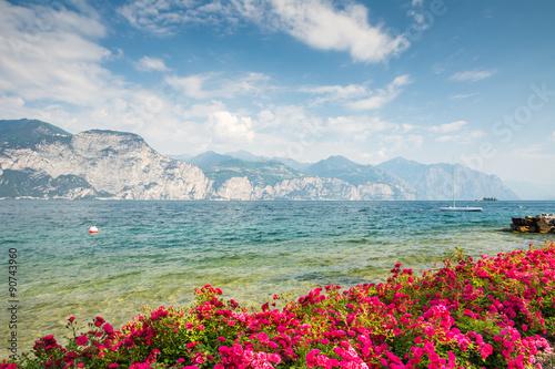 Panel Szklany Flowers at Lake Garda