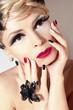 Постер, плакат: Маникюр и макияж с красным