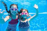 Fototapety girls in pool