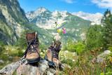Fototapety Wanderschuhe im Gebirge