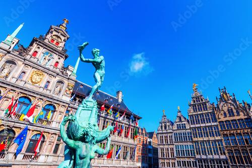 Foto op Canvas Antwerpen historisches Rathaus am Grote Markt in Antwerpen, Belgien